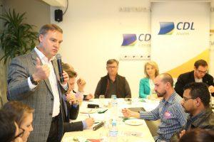Edson Néspolo apresenta propostas para Conselho de Turismo e Dirigentes Lojistas Jovens