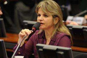 Deputada Federal Flávia Morais (PDT-GO)