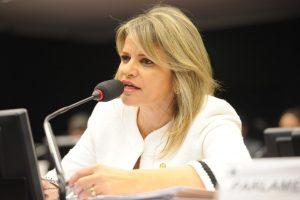 Deputada Flávia Morais