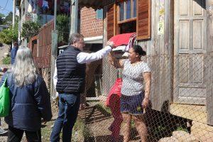 Edson Néspolo realiza caminhada junto da comunidade de Caxias do Sul.