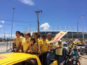 PDT percorre Fortaleza para exaltar ações de Roberto Cláudio