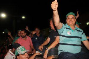 Prefeito Jaime Junior reúne mais de 20 mil pessoas durante comício e carreata no Icó