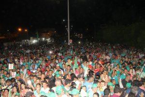 Prefeito Jaime Junior reúne mais de 20 mil pessoas durante comício e carreata no Icó.