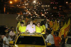 Roberto Cláudio percorre 29 ruas em carreta por São Luís (MA)