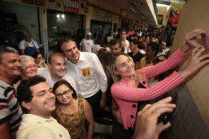 Roberto Cláudio e governador Camilo Santana visitam Mercado São Sebastião em Fortaleza (CE)