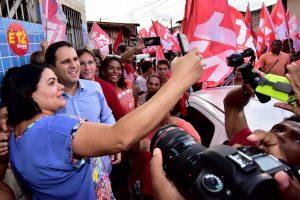 Edivaldo Holanda destaca infraestrutura durante caminhada em São Luís (MA)