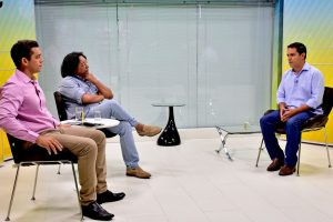 """E""""Não preciso andar com certidões no bolso para mostrar que não sou investigado"""", disse Edivaldo Holanda em entrevista"""