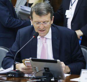 Gilmar Sossella celebra aprovação de PL da Carteira de Vacinação pela CCJ