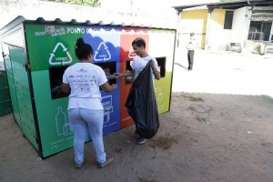 Roberto Cláudio lança programa de reciclagem em escola de Fortaleza