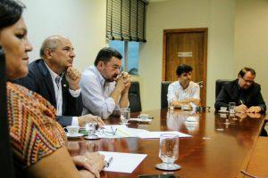 Coordenada por Zeca Viana, Frente Parlamentar combate corte no orçamento do Indea