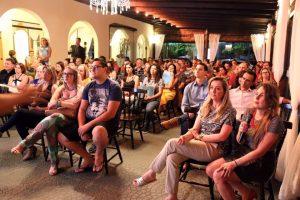Prefeita Ana Paula discute com empresários de turismo temporada de verão em Bombinhas