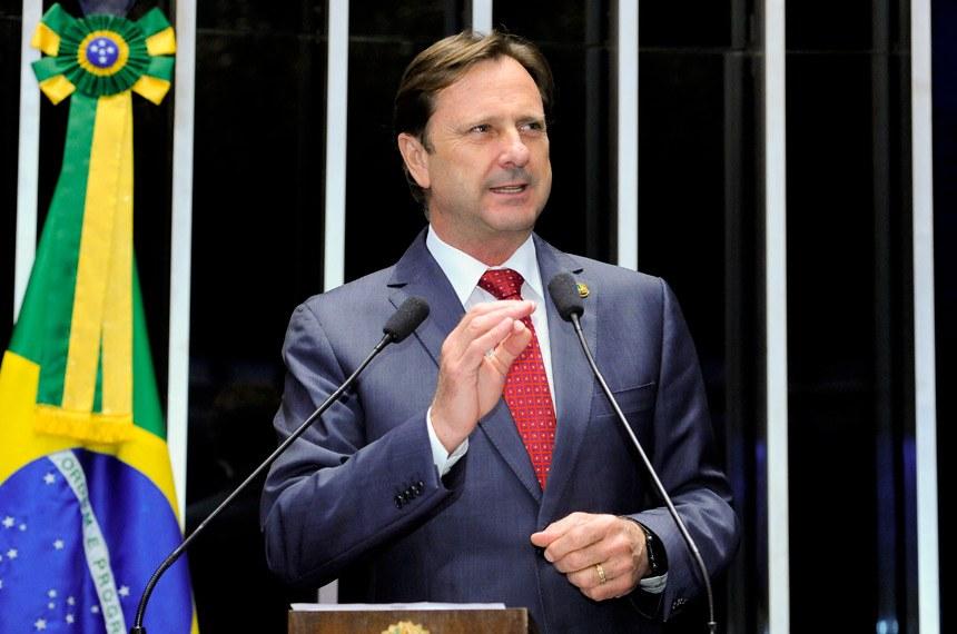 Resultado de imagem para senador Acir Gurgacz, do PDT de Rondônia,
