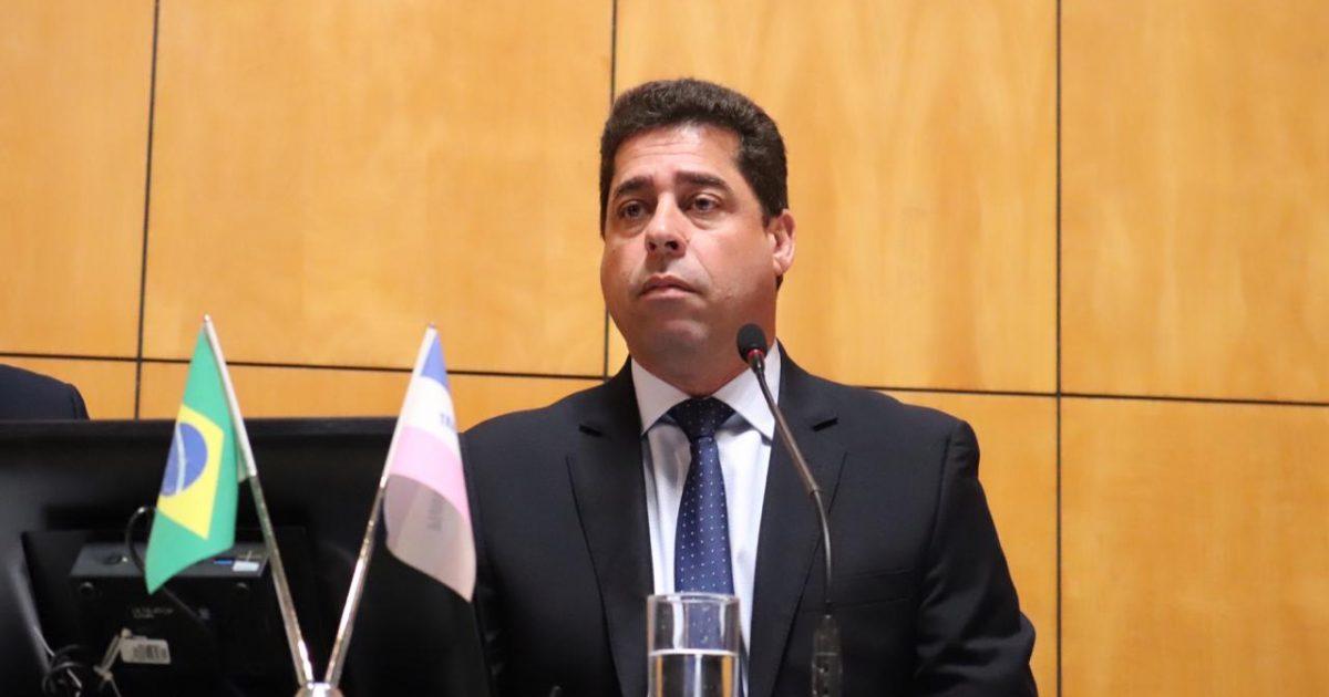 Resultado de imagem para deputado Marcelo Santos