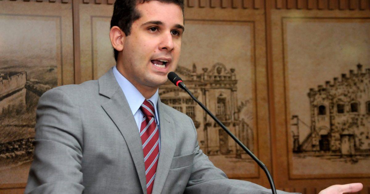 Projeto de Felipe Alves que cria a Ronda de Proteção Escolar é aprovado em Natal (RN) | PDT